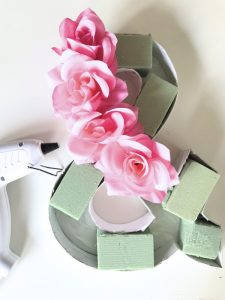 how to make a floral ampersand home decor