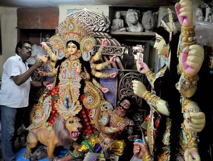 Kumartuli Idol makers Kolkata_Popsicle Society