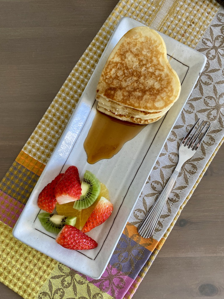 PopsicleSociety-heart shaped fluffy pancakes_6579