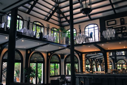 The beautiful Heritage restaurant, and daily breakfast dining area.
