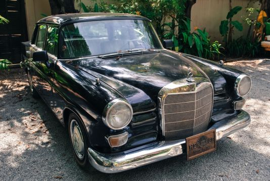Check out this old gem - vintage and original. Used to even be owned by one of the Kings!
