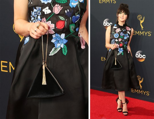 Maisie Williams strutted down Emmys 2016 red carpet with Charles & Keith Evening Wristlet purse. Photo: www.purseblog.com