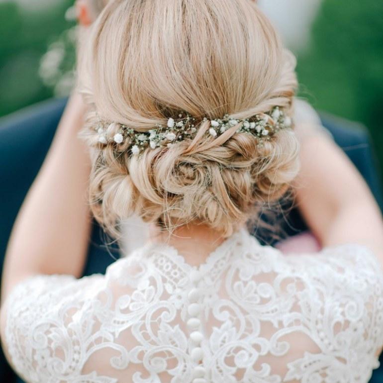 Wedding Hairstyle in Wedding Checklist process