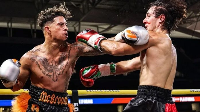 Austin McBroom, Bryce Hall Social Gloves Boxing