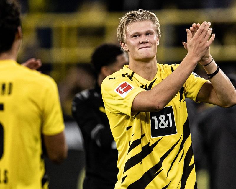 Borussia Dortmund v Borussia Mönchengladbach - Bundesliga for DFL