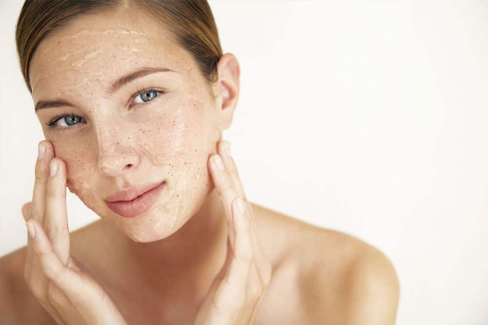 Natural is in, Plastic is Out: A Simple Guide to Healthy Glowing Skin