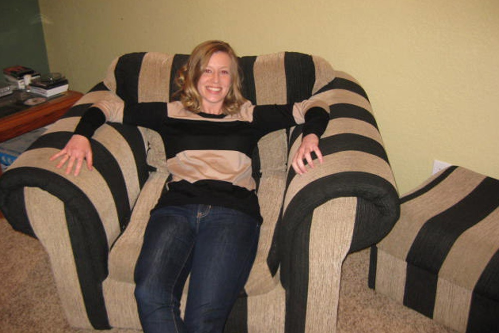 Photos of People Who Oddly Resemble Random Objects - Girl's Shirt Matches Striped Couch