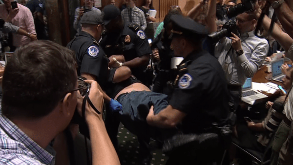 Congress suspends hearing on Graham-Cassidy healthcare bill due to protests (CNN Newsource)