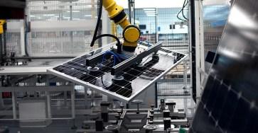 Найден способ вырезать детали для фотонных компьютеров и солнечных батарей