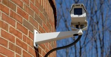 В российских школах установят камеры с распознаванием лиц