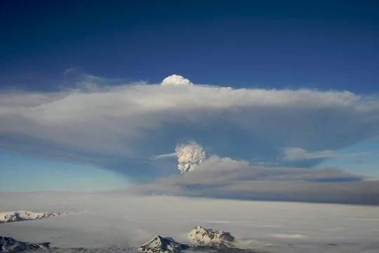 Извержение вулкана может парализовать Исландию