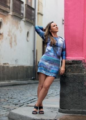 """Solteira, Giulia Gam busca um amor para """"envelhecer juntinho"""""""