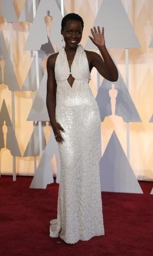 atriz-lupita-nyongo-chega-a-cerimonia-do-oscar-em-hollywood-1424992807302_300x500