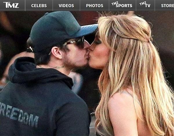 Jennifer Lopez é flagrada aos beijos com o ex-namorado