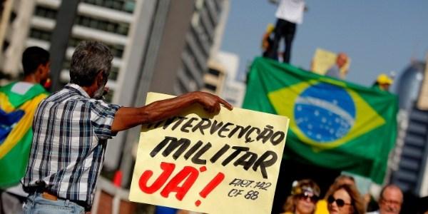 """Para artistas, onda conservadora no Brasil é """"um retrocesso"""""""