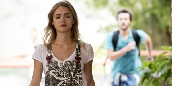 """Em """"Sete Vidas"""", Júlia briga com Pedro após descobrir gravidez de Taís"""