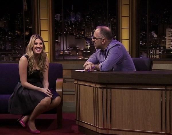 """No novo """"Show do Kibe"""", comediantes não sabem que estão sendo entrevistados"""
