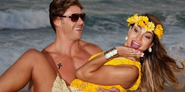 Com cerimômia de R$ 300 mil, Theo Becker casa com pediatra em praia carioca