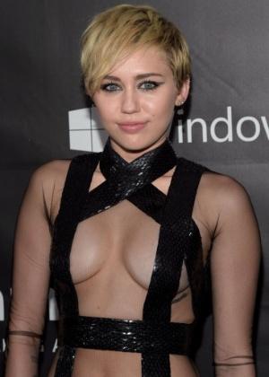 """Miley Cyrus fala sobre sua orientação sexual: """"Não quis ser nada"""""""