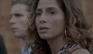 """Foto de Em """"Babilônia"""", Regina e Vinícius ficam chocados com a morte de Sebastião"""