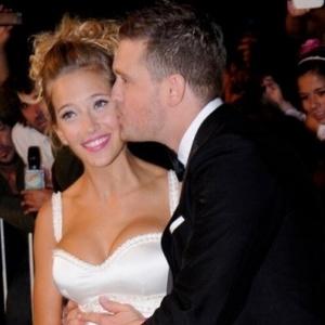 Filho do cantor Michael Bublé é internado após sofrer queimaduras