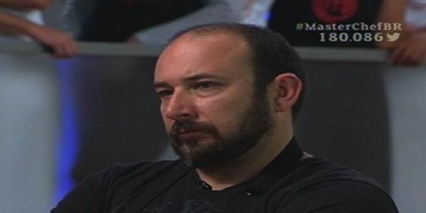 """Ovo podre atrapalha sobremesa e Rodrigo é eliminado do """"MasterChef"""""""