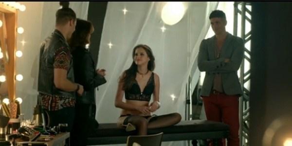 """""""Deixamos rolar e foi muito bom"""", diz Giane sobre cena de sexo com Agatha"""