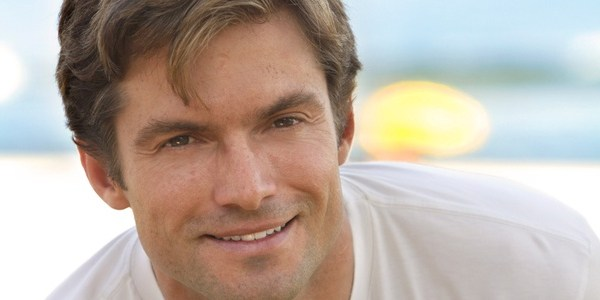 Aos 42 anos, Claudio Heinrich anuncia que será pai pela primeira vez