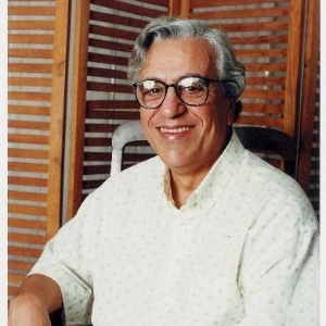 Morre aos 82 anos Osmiro Campos, dublador do Professor Girafales
