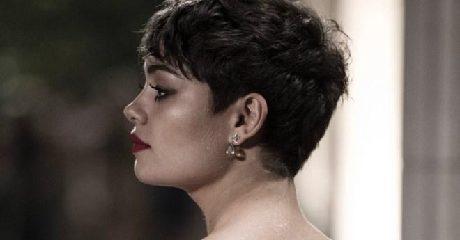 sophie-charlotte-de-perfil-como-a-personagem-duda-a-atriz-aderiu-ao-corte-de-cabelo-joaozinho-para-o-papel-na-nova-versao-de-o-rebu-a-trama-policial-que-se-passa-em-24-horas-1402535709668_956x500
