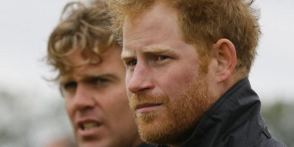 Príncipe Harry completa 31 anos e exibe barba ruiva em evento oficial
