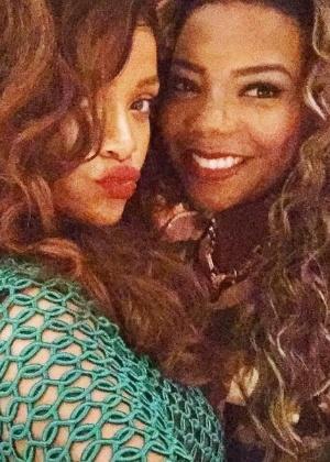 """""""Ela estava pelada"""", brinca Ludmilla sobre look de Rihanna"""
