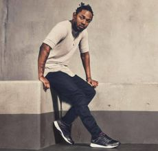 Foto de Kendrick Lamar faz freestyle em workshop
