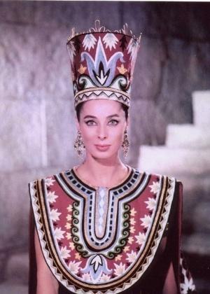 a-atriz-rita-gam-em-cena-como-herodias-no-filme-o-rei-dos-reis-1961-1458687613442_300x420