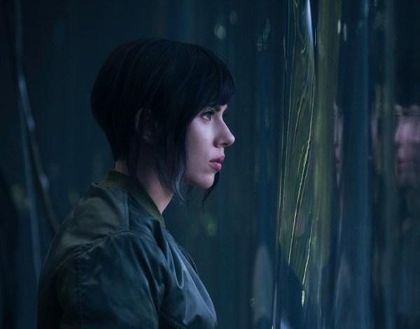 """Primeira imagem de Scarlett Johansson em """"O Fantasma do Futuro"""" é divulgada"""