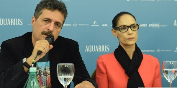 """""""Em sintonia com a política"""", diz diretor sobre """"Aquarius"""" fora do Oscar"""