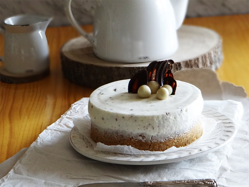 Tarta de nata y chocolate sin horno
