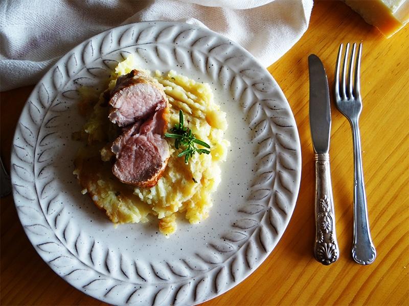 solomillo con puré de patatas gratinado