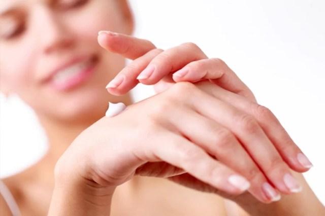 Miękkie i zadbane dłonie, czyli regeneracja naskórka po zimie