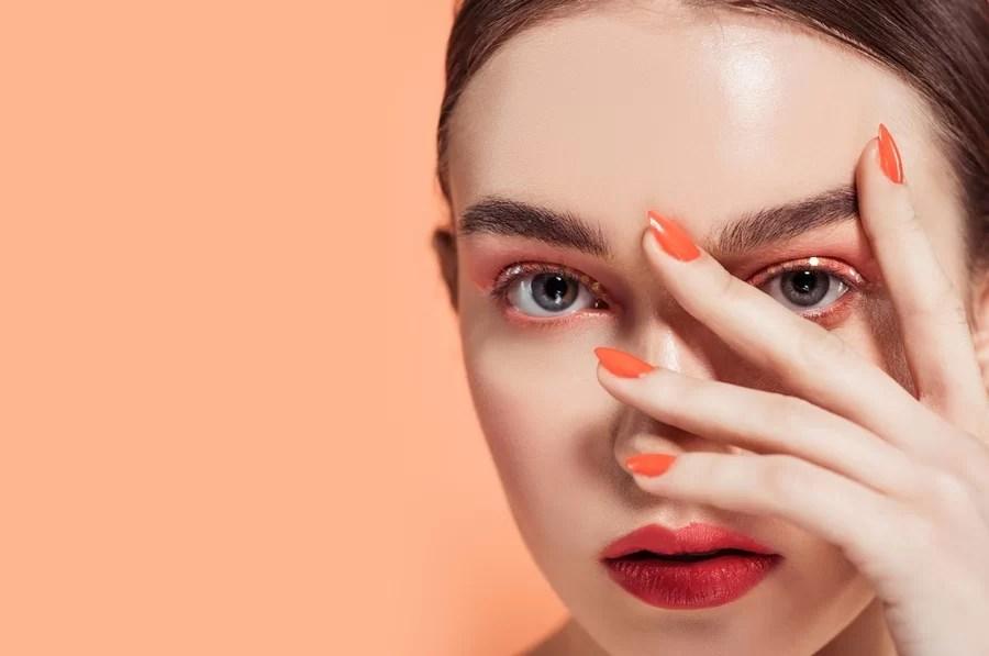 Trendy manicure na studniówkę 2020