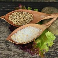 Sól selerowa. Jak zrobić przyprawę w domu