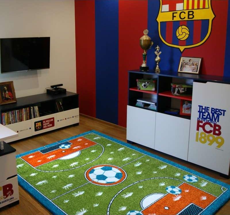 Dywan do pokoju dziecięcego - boisko