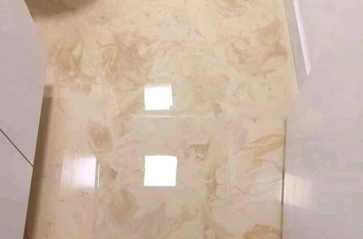 Pode Colocar Porcelanato liquido no Banheiro