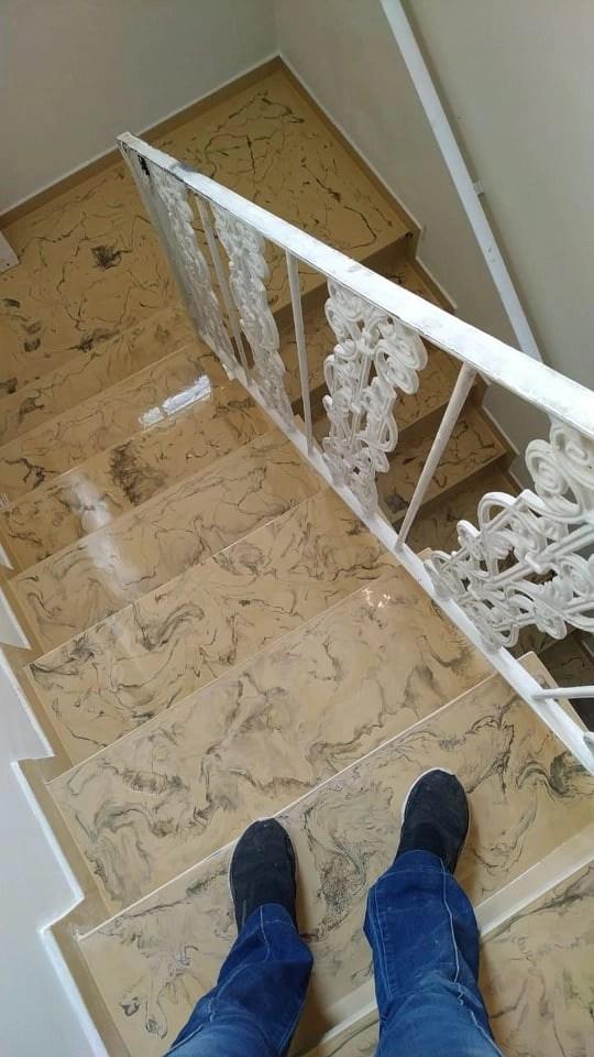 Porcelanato liquido escada marmorizada