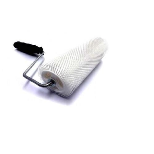 pisos auto-nivelantes em poliuretano, epóxi e argamassa autonivelante, para eliminação das bolhas superficiais.