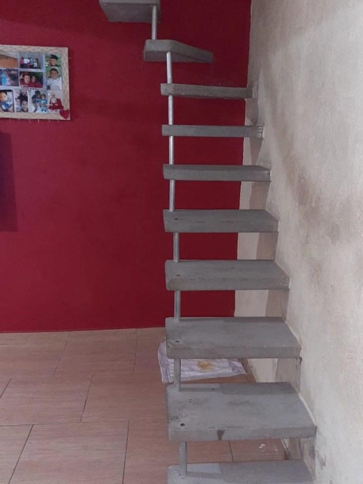 """""""Escada Pré Moldada Acabamento Epóxi"""