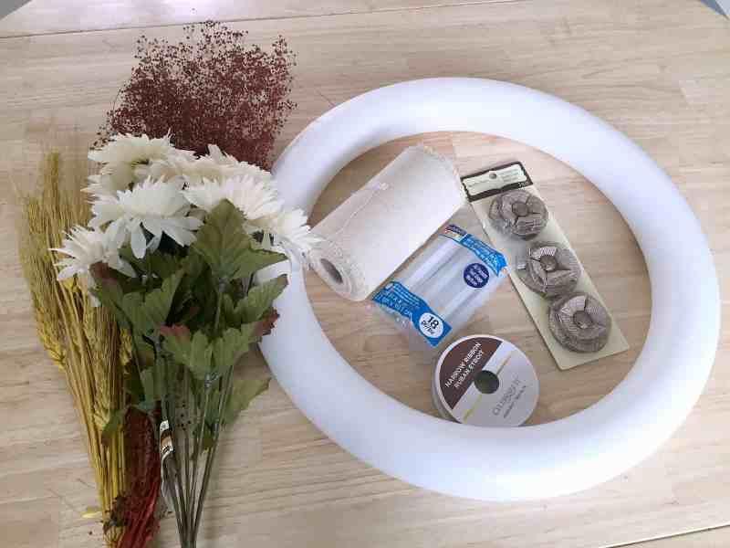 how-to-make-fall-burlap-wreath-materials