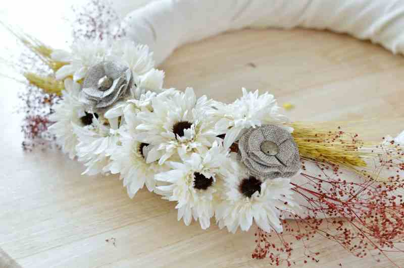 how-to-make-fall-burlap-wreath-step8
