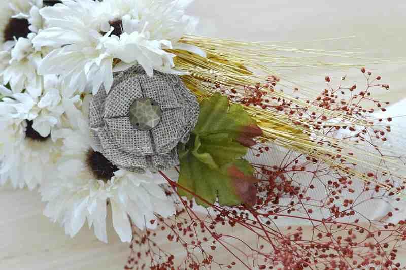 how-to-make-fall-burlap-wreath-step9