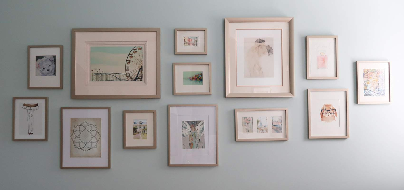 Easily Update Picture Frames With Spray Paint!